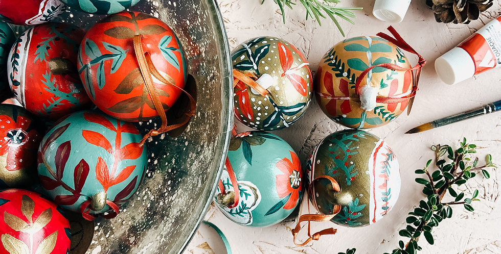 Hand-painted Ceramic Bauble Set (PRE-ORDER)