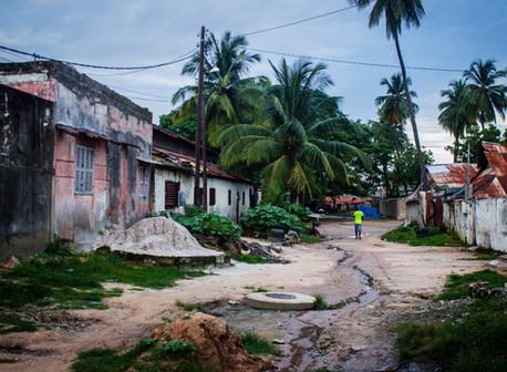 Historias Africanas – Ziguinchor, la desvencijada joya de Casamance y cómo llegamos a ella –