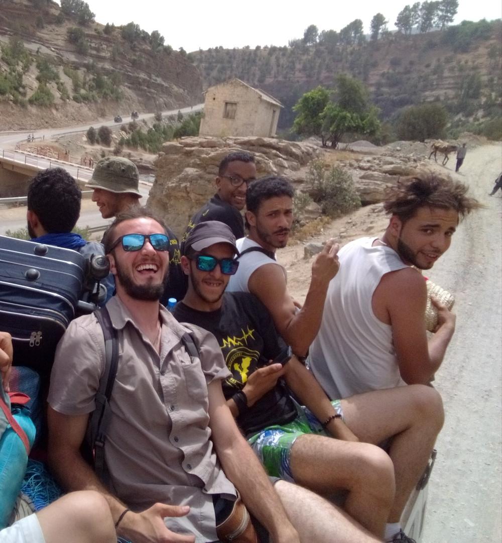 Mohammed, David y el grupo de montañeros