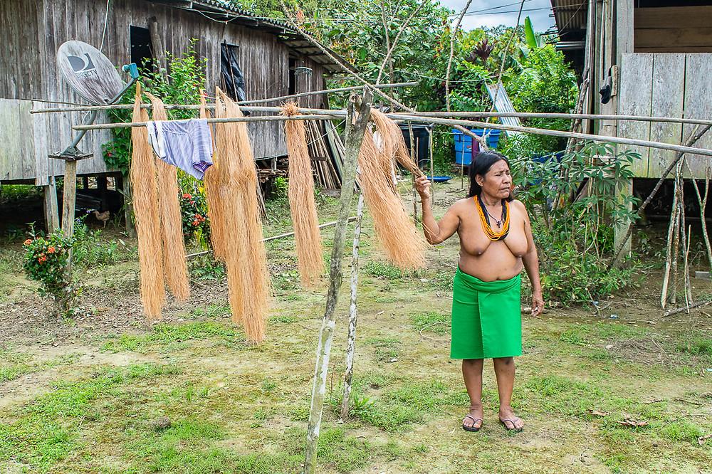 Pie de foto: Esilda, amiga y lideresa del grupo de mujeres artesanas de Khapan. Fotografía tomada para Alianza Por la Solidaridad. Autora: Marta Trejo