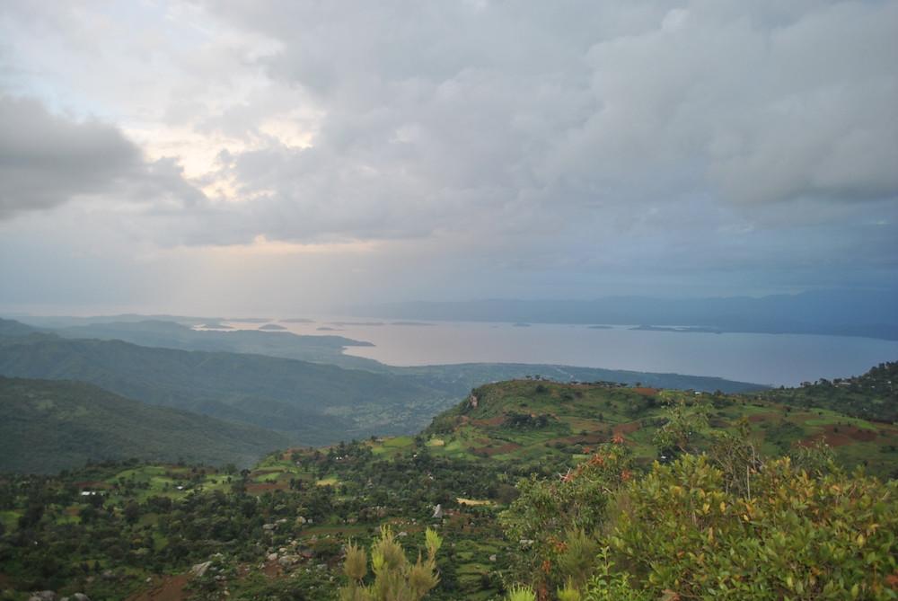Vistas del lago Abaya desde las montañas de Dorze