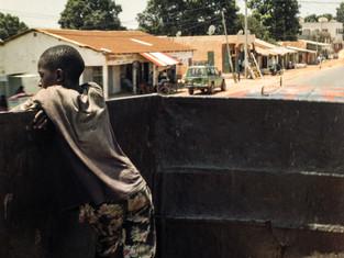 21. Sacos de carbón (Gambia) - Ismael Hervás
