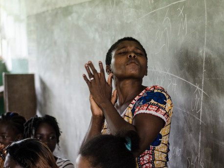 La mujer derriba las puertas del fútbol camerunés