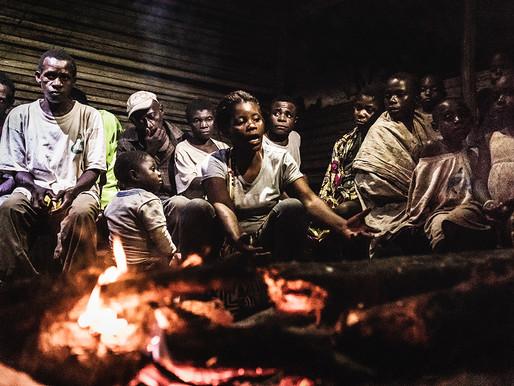 Las historias olvidadas de los pueblos baka de la selva de Camerún