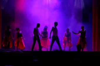 19 Moulin Rouge 3.jpg