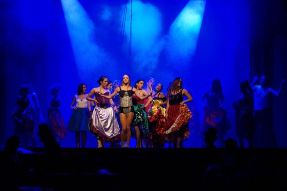 19 Moulin Rouge.jpg
