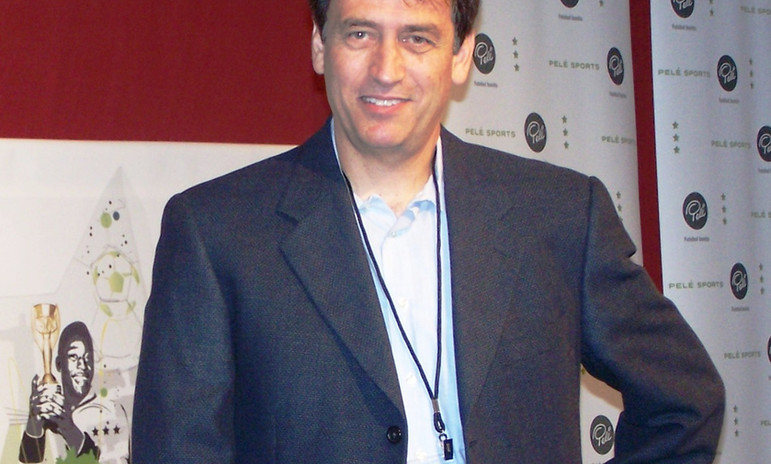 John at Pele Showroom 2010 (2).JPG