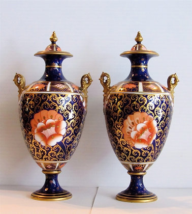 Royal Crown Derby - Vases Imari Patern