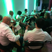 Conjunto de cuerdas dirigido por el Maestro Jose Luis Rivera