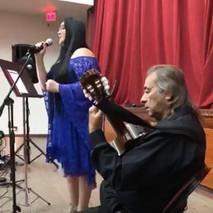 Mariconchi Rivera obsequiando su talento junto al Maestro José Luis Rivera