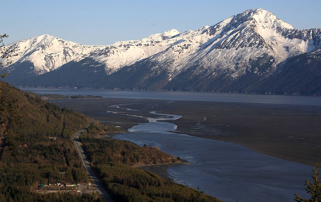 1024px-Turnagain_Arm_and_Kenai_Mountains