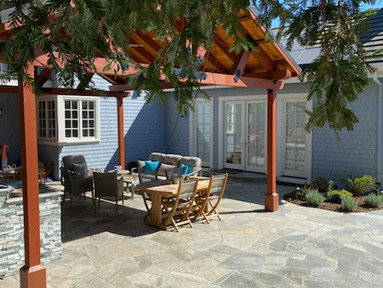 Pergola & flagstone patio