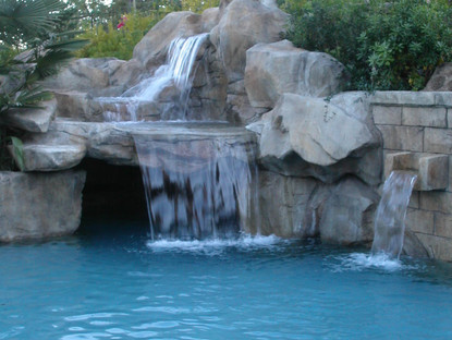 Rico Rock waterfall