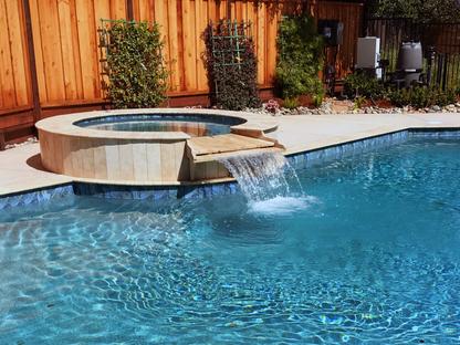 Pool & Spa with Watersheet