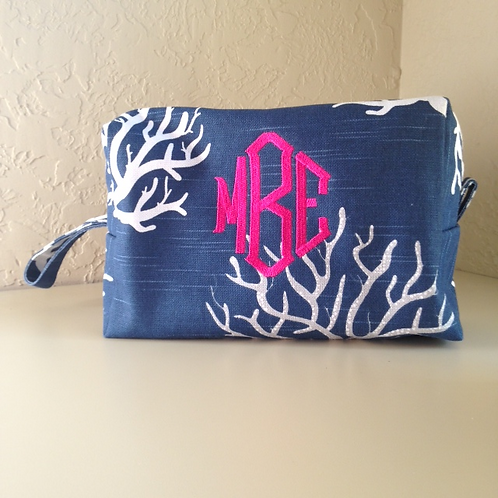 Monogram Dopp Kit (Pillow Talk)