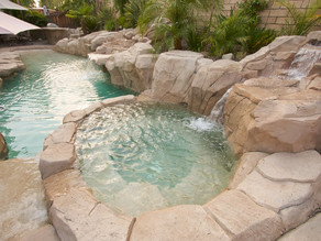 How to safely use your hot tub in the winter