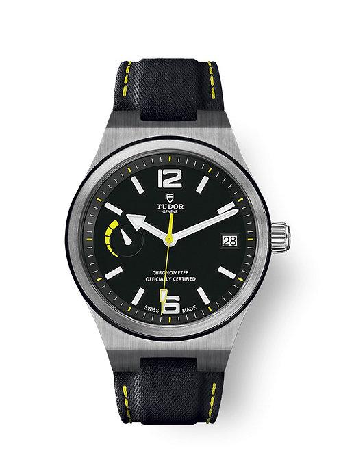 tudor-geneve-watch-addict-gva-north-flag-m91210n-0002