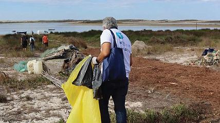 """Águas de Santo André organiza iniciativa """"Vamos Limpar as margens da Lagoa"""""""