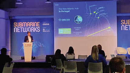 """A ADRAL e a aicep Global Parques promovem o """"Sines Tech"""" no maior evento europeu dedicado a cabos submarinos de telecomunicações"""