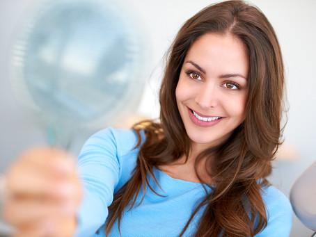 4 reasons WHY people seek professional teeth whitening.