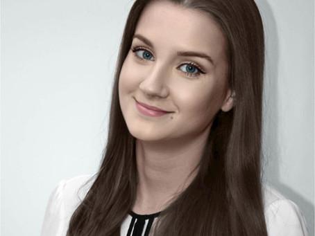 Avalon Ivanuša, magistra e-poslovanja - dobitnica Rektorjeve nagrade za leto 2020🏆