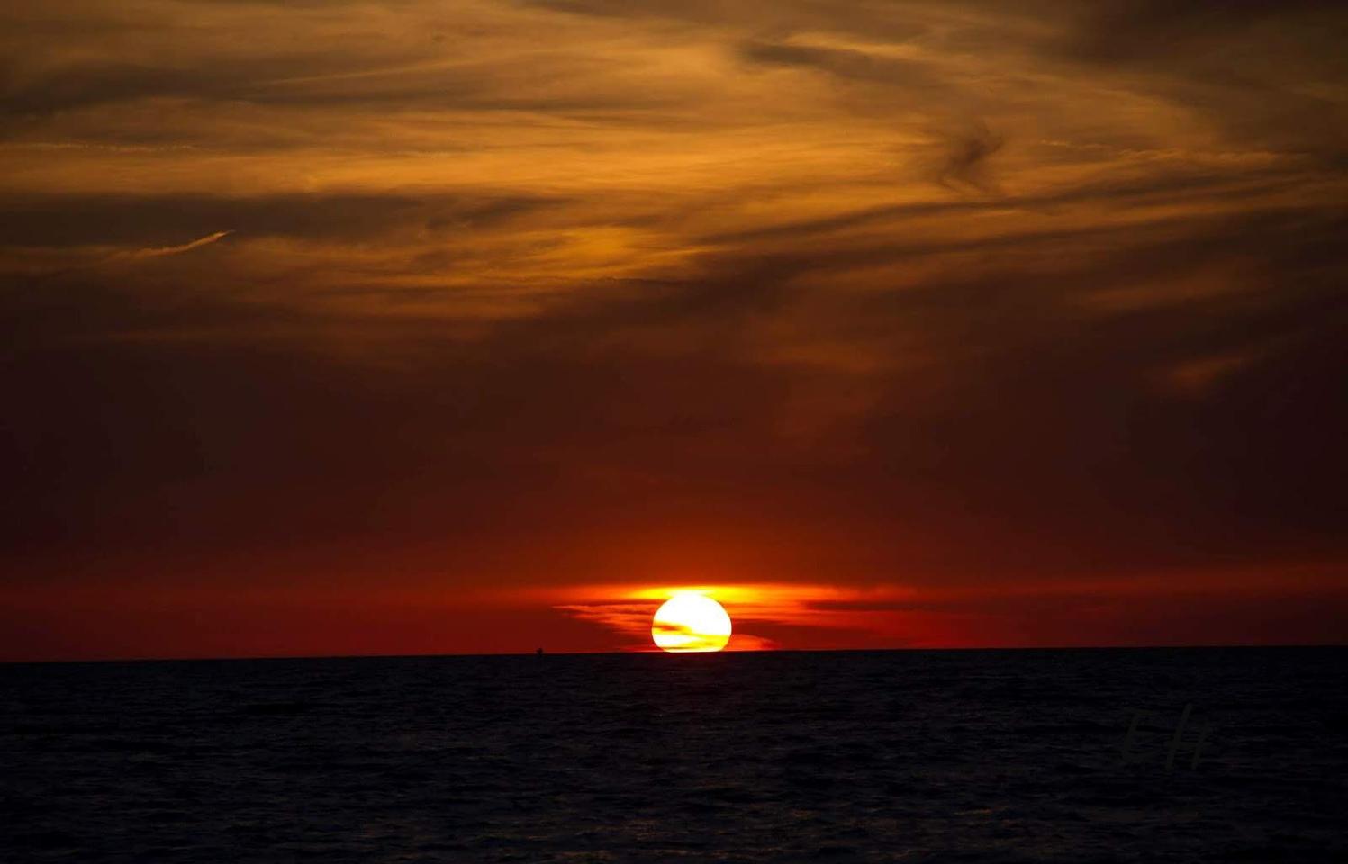 Le soleil se couche sur la golfe Persique (Iran)