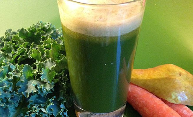 Ginger-Kale-and-Carrot-Juice-Featured