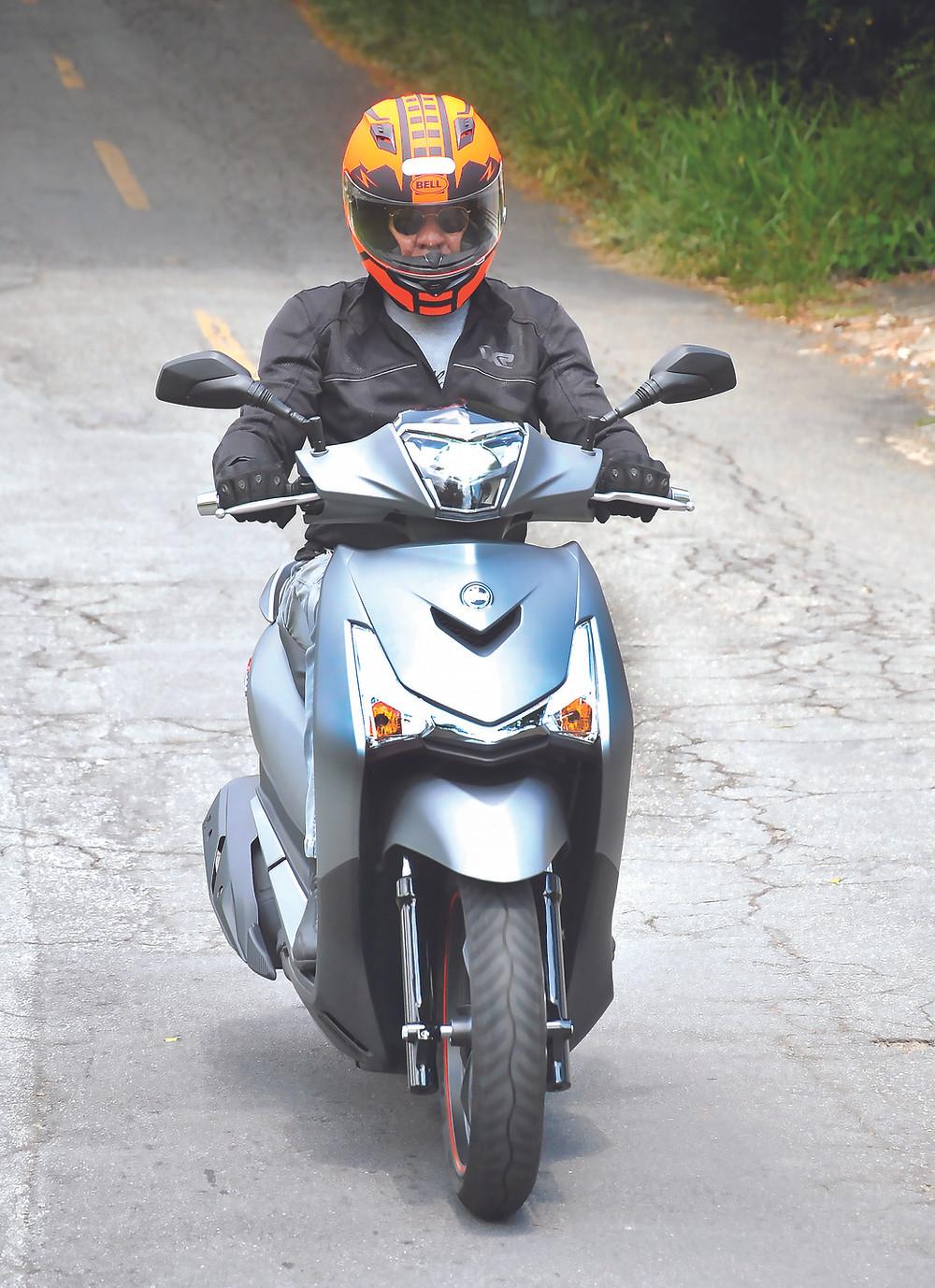 frente do scooter Dafra Sym Citycom HD 300