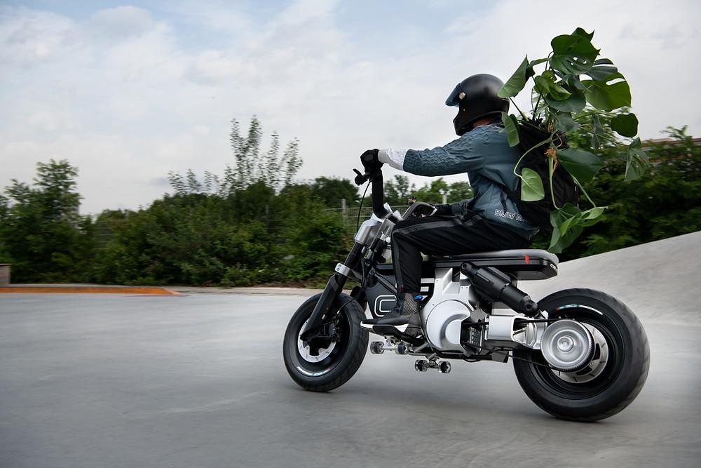 BMW Motorrad Concept CE 02 no IAA 2021
