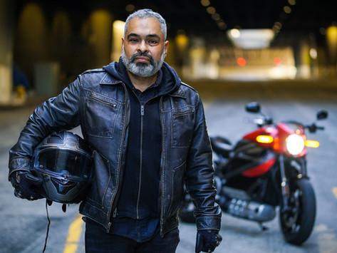 Nos EUA, é possível viajar de moto elétrica