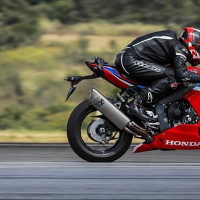 Nova Honda CBR 1000RR-R Fireblade SP 2022 eleva o padrão entre as esportivas do segmento