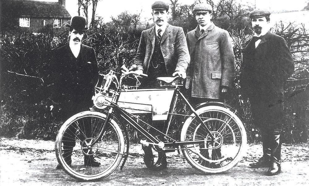 Fundadores da Royal Enfield em 1901