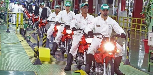 Linhda de produção da fábrica da Honda Motos em Manaus