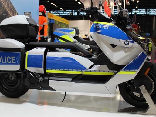 BMW lança versão policial de scooter elétrico