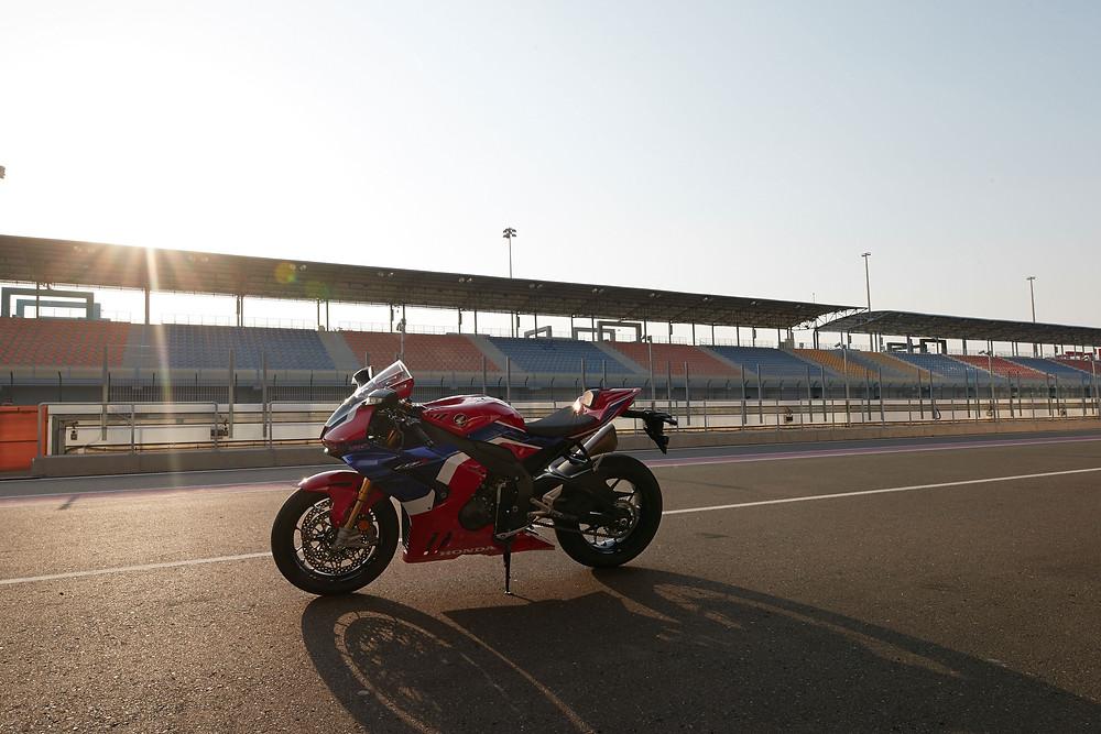 Nova Honda CBR 1000RR R 2022 no Brasil