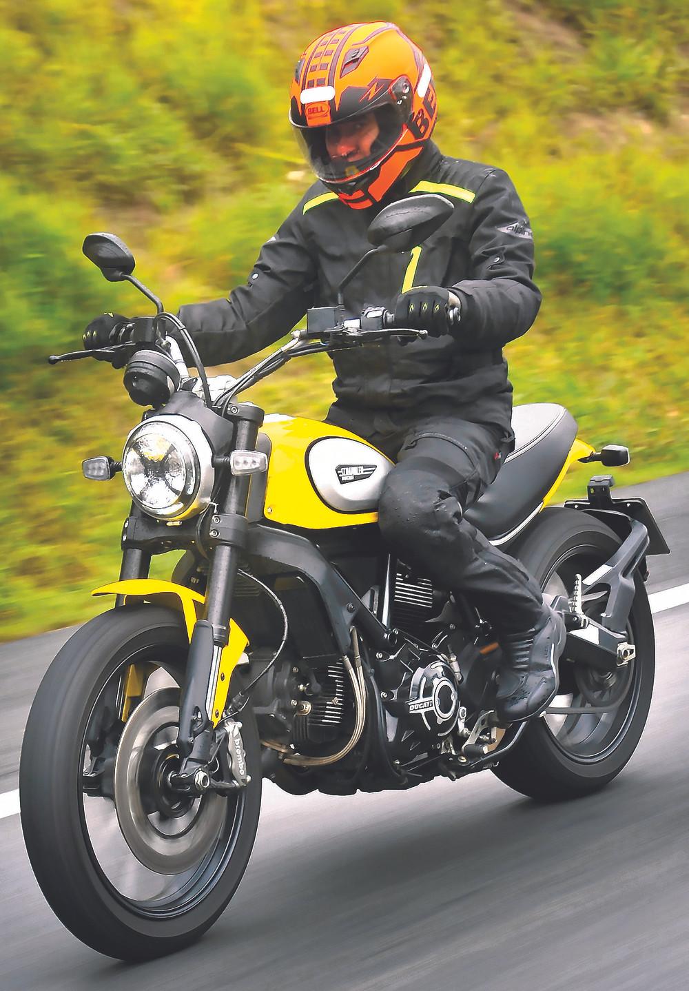 Icon Scrambler Ducati na Estrada