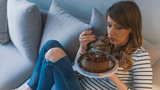 3 Ways to Stop The Cycle Of Emotional Eating