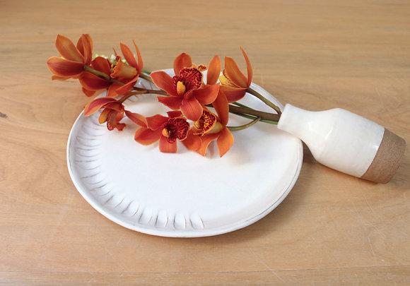 Prato de jantar branco com textura