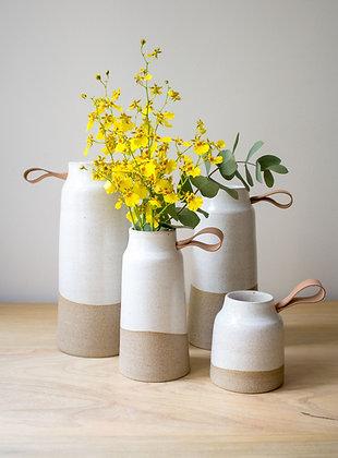 Vaso de cerâmica Areia com couro