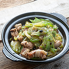 Pork Ribs & Bitter Melon in Chiu Chow Sauce Clay Pot 潮式鹹菜涼瓜排骨煲
