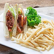 Bacon Lettuce Tomato Sandwich w/ Fries 煙肉三文治