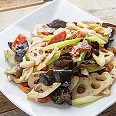 Sautéed Celery & Lotus Root with Preserved Meat 香芹藕片木耳炒臘味
