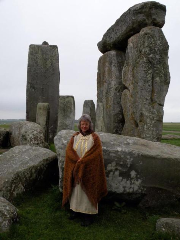 Briga marrying the land in Druid ceremony @ Stonehenge 2006