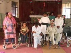 Pyörätuoleja_Akaasta_Pakistaniin.jpg