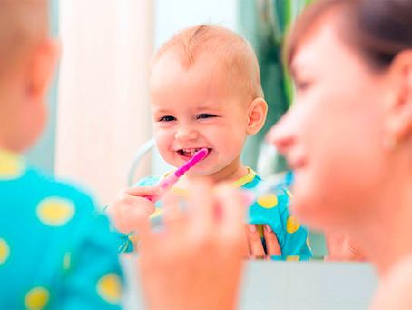 Com ou sem flúor? Qual a melhor opção de pasta para os dentes dos pequenos?