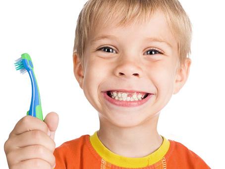 Queda dos dentes de leite: como agir?