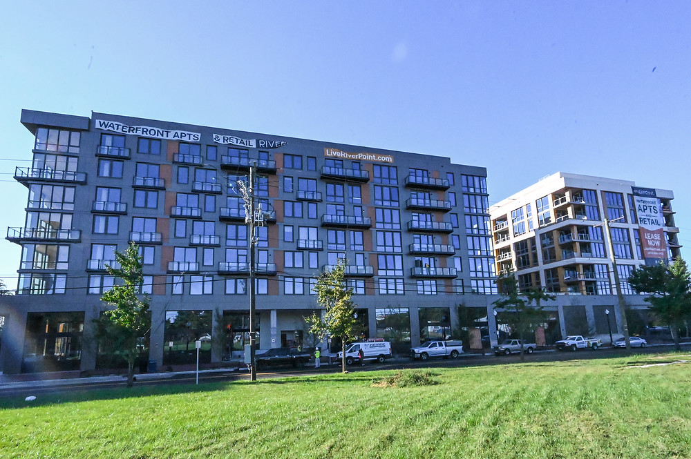 Riverpoint Apartments, Buzzard Point, Akridge, CBG construction, Western Development, Orr Partners, Antunovich Associates, retail for lease Washington DC
