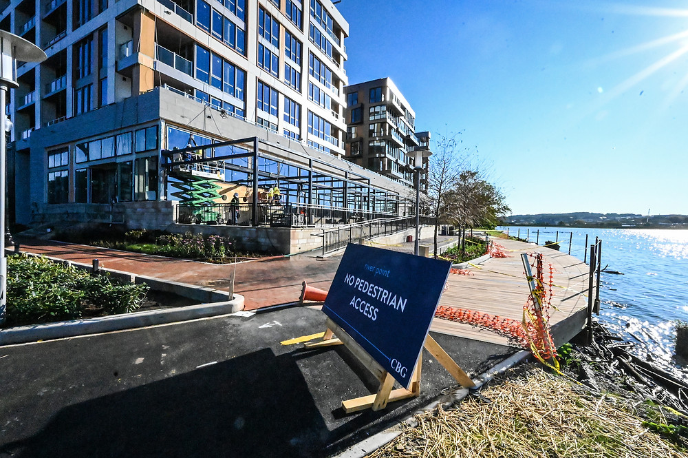 Riverpoint Apartments, Buzzard Point, Akridge, CBG construction, Western Development, Antunovich Associates, retail for lease Washington DC, bike trail