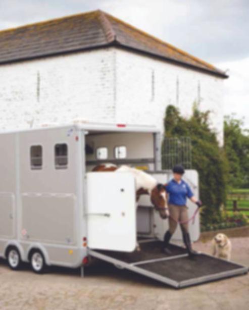 Eventa Horse Trailer