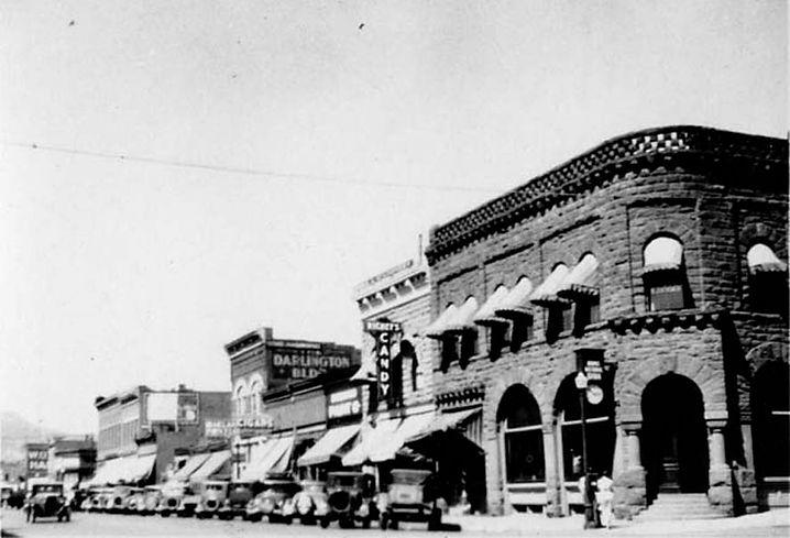 900 Block of Main in the 1920's.jpg